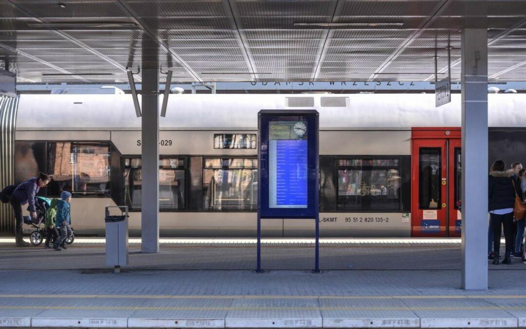 System Informacji Pasażerskiej na stacji Gdańsk-Wrzeszcz przestawiony w tryb automatyczny.